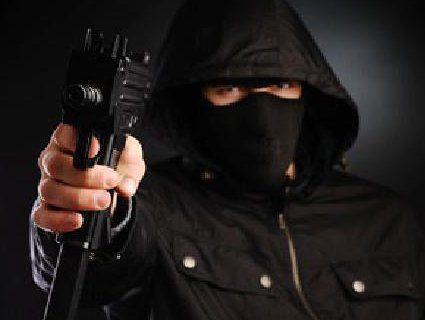 Банда в капюшонах: злочинці підірвали та обікрали банкомати