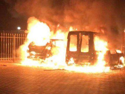 «Щоб замовкнув»: у Києві спалили машину відомого журналіста (фото)