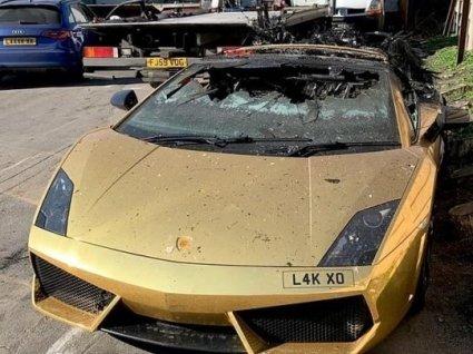 Сумне видовище: Lamborghini згорів через годину після ТО (фото)