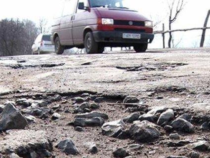 Порошенко проїхався українським бездоріжжям (відео)
