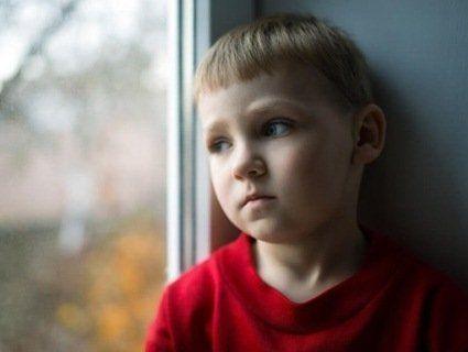 «Сироти на експорт»: іноземці торік всиновили 12 тисяч маленьких українців