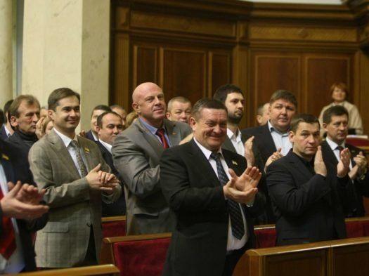 Подарунки для корупціонерів: законопроект Порошенка гірший, ніж був при Януковичу