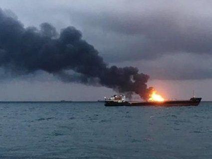 У чорному морі загасили танкер, який горів більше місяця