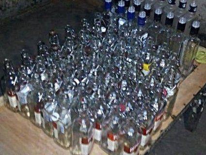 На Волині викрили цех, де підробляли відомі бренди алкоголю (фото)