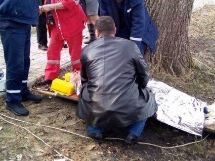 На Волині рятували рибалку, який пішов під лід