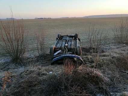 На трасі Луцьк – Устилуг авто перекинулося догори колесами (фото)