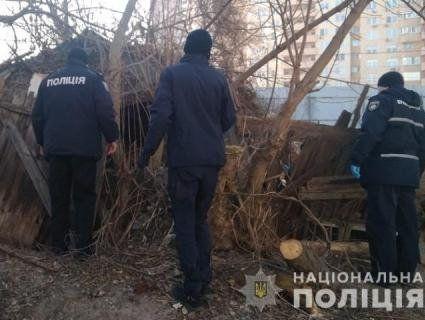 У Києві вирахували жінку, яка кинула новонароджене дитя в «заброшці»