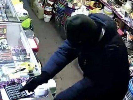 На 4 роки за пачку сигарет: посадили волинянина за пограбування магазину
