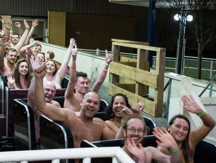 Світовий рекорд: 200 голих британців проїхались на американських гірках
