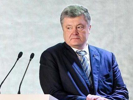Порошенко заявив, що віддає зарплату на благодійність