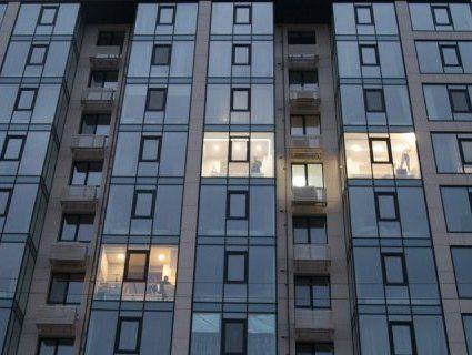 Смерть у Дніпрі: жінка мила вікно і впала із сьомого поверху (фото, відео)