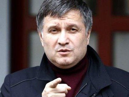 В Україні вимагають звільнення Авакова