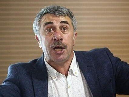 «Бєспрєдєльна» країна: Комаровський благав батьків покинути Україну