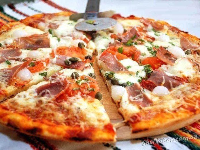Пілот літака замовив піцу пасажирам, які застрягли на борту