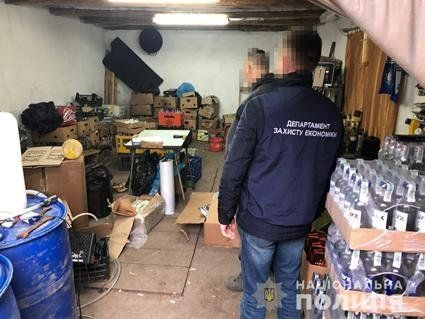 На Львівщині знайшли фальсифікований алкоголь на 2 млн грн