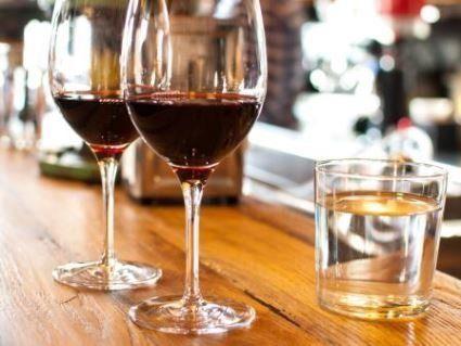 Чим корисно запивати алкоголь – знає Уляна Супрун