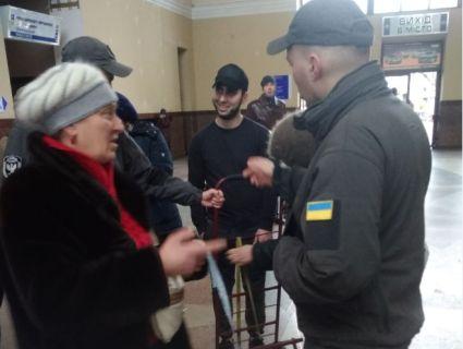 У Франківську дві пенсіонерки побилися за «кравчучку» (фото)