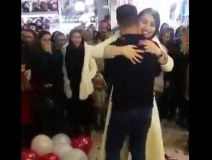 «Харам»: в Ірані заарештували пару за публічне зізнання в коханні (відео)