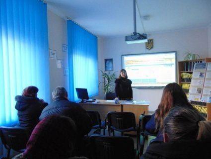 У Луцьку юристи розповіли безробітним, як реалізувати своє виборче право (фото)