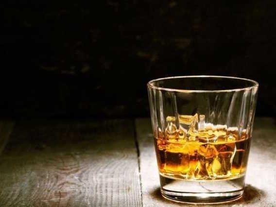 Українець винайшов алкоголь, від якого не болить голова