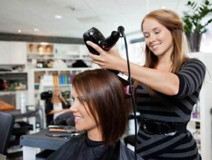 5 інфекцій, які можна підчепити в перукарні
