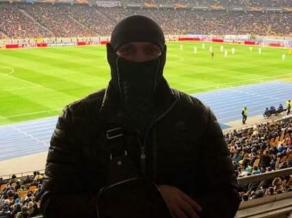 «Челсі – Динамо 5:0»  –  заспівав Усик (відео)