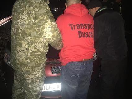 На Закарпатті  власник «євробляхи» прорвав кордон, бо не хотів її розмитнювати