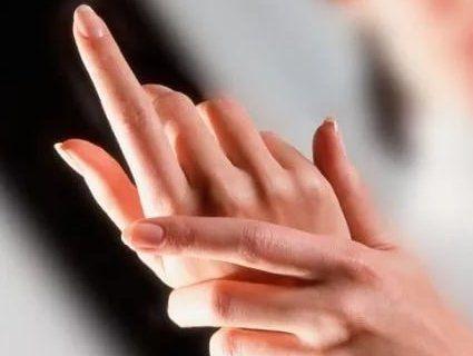 Не хіромантія: на які хвороби може вказати стан рук