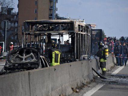 В Італії терорист-водій підпалив шкільний автобус із 51 дитиною