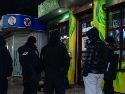 У Києві в квітковому магазині повісився продавець (фото)
