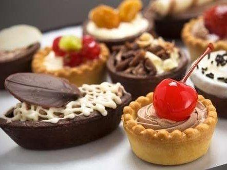 Чому тягне на солодке і як це побороти: поради дієтолога