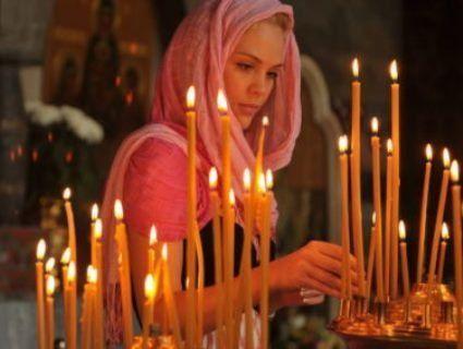 В церквах ПЦУ можуть встановити лавки та дозволити жінкам ходити до храму без хусток