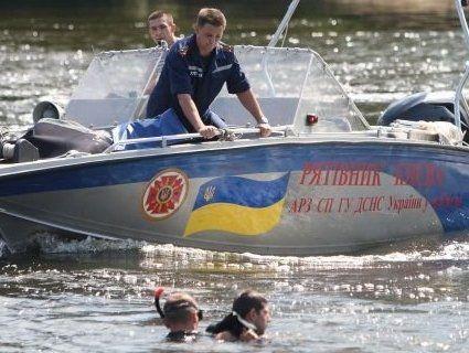 На Дніпрі перекинувся моторний човен: є зниклі безвісти