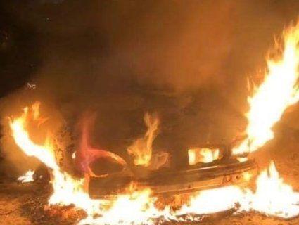 На волинському майданчику поліції горіли чотири автівки