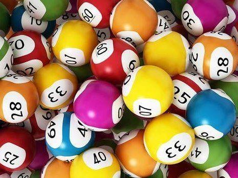 Бінго: чоловік двічі за день виграв у лотерею $16 мільйонів