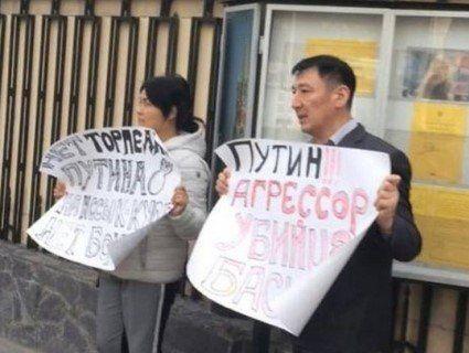 У Киргизстані багатодітних батьків піддали тортурам за протест проти візиту Путіна