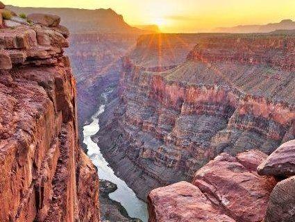 Смертельне фото: турист зірвався у Великий каньйон