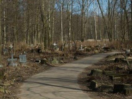 Їдеш на кладовище — покажи пропуск: в Криму обмежили вільний доступ на цвинтарі
