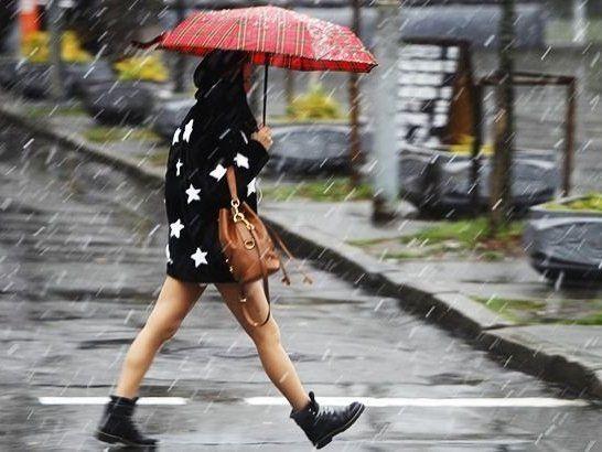 В Україну повернуться дощ із мокрим снігом