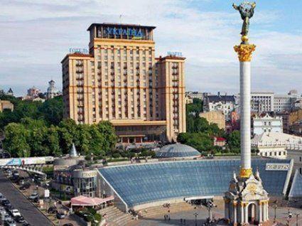 У Києві поліція шукає вибухівку, евакуювали близько 150 людей