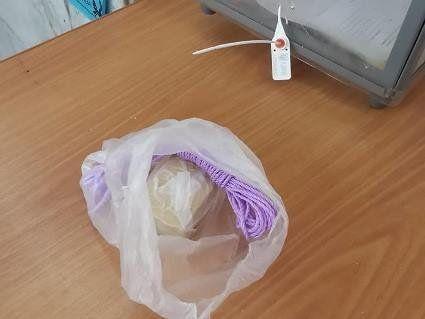 У Луцьку виборець залишив на дільниці мотузку та мило «для влади» (фото)