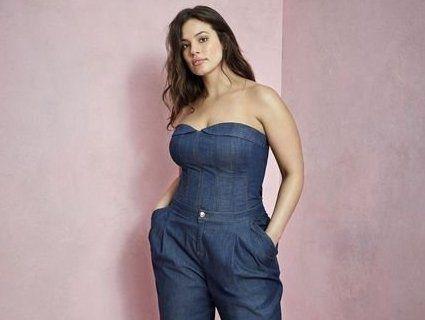 Модель plus-size представила колекцію джинсового одягу