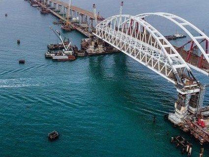 Росія і досі затримує кораблі в Керченській протоці