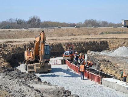 Вперше в Україні: відкрили бетонну дорогу для руху авто