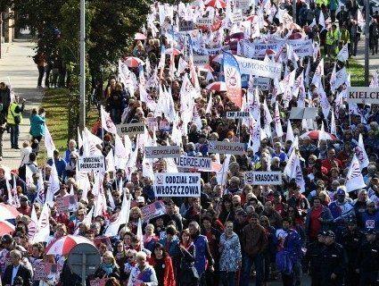 600 тисяч: у Польщі страйкують вчителі