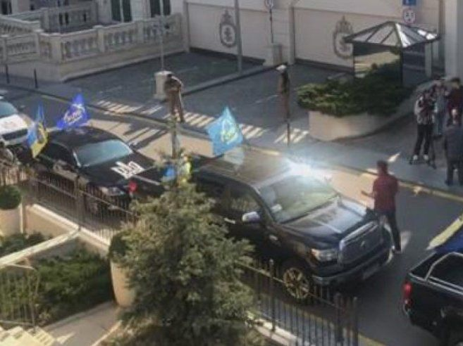 Зеленського пікетував клон «Автомайдану»
