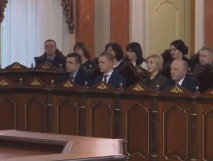 Порошенко призначив 38 суддів Антикорупційного суду