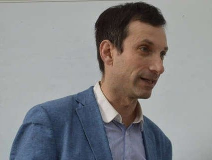 Журналіст закликав Зеленського проявляти повагу до української мови (відео)