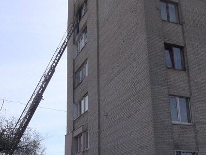 У Луцьку горіла квартира в багатоповерхівці (фото)
