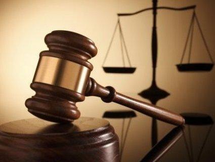 Директор гімназії піде під суд